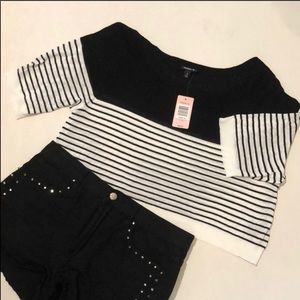 🔥BOGO FREE 🔥 B&W Crop Top